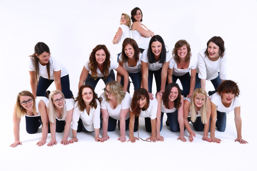 evjf_groupe_amies_shootingphoto_lille_photos_femmes_tourcoing_photographe_champagne_studiodreamlike