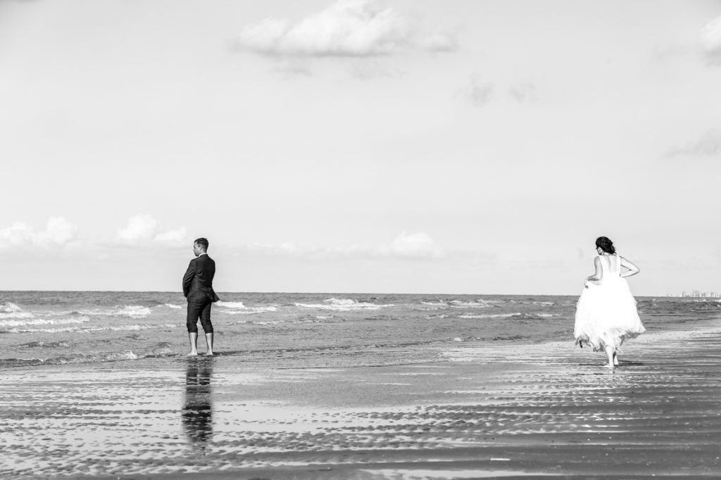 mariage_lendemain_photographe_lille_shootingphoto_photos_mariés_couple_mer_amour_studiophoto_dreamlike