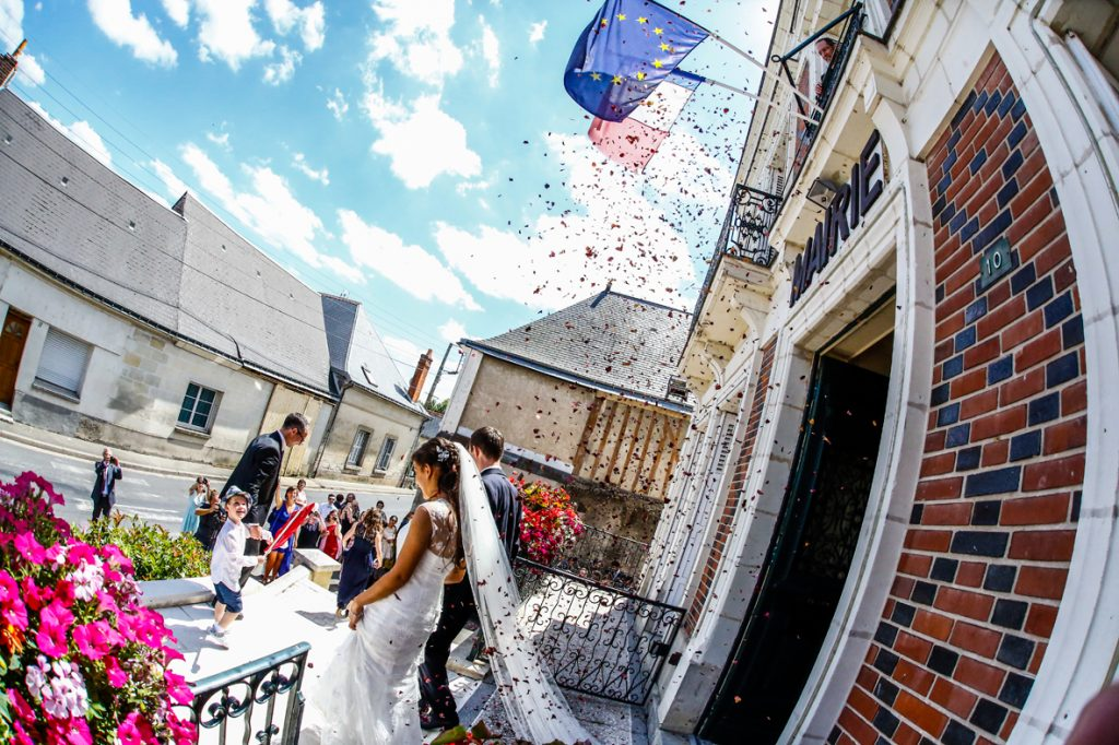 mariage_photographe_lille_tourcoing_couple_mariés_robe_studiodreamlike_studiophoto_photodemariage_photos_mairie_ceremonie_engagement_amour
